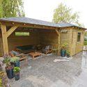 Vuren tuinhuis met overkapping met puntdak