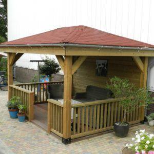 Overkapping met puntdak en schuin dak